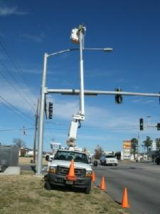 Traffic light being fixed